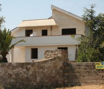 V185, Villa Racale
