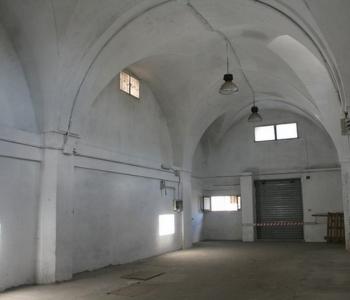 V325, Locale Deposito Salento  Racale